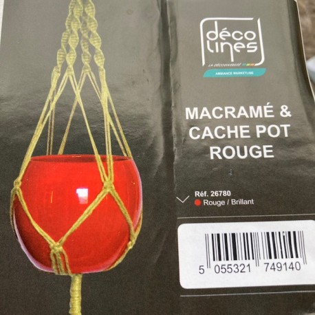 Macramé et cache pot rouge